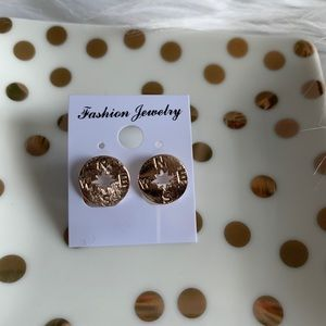 NEW Rose gold compass earrings